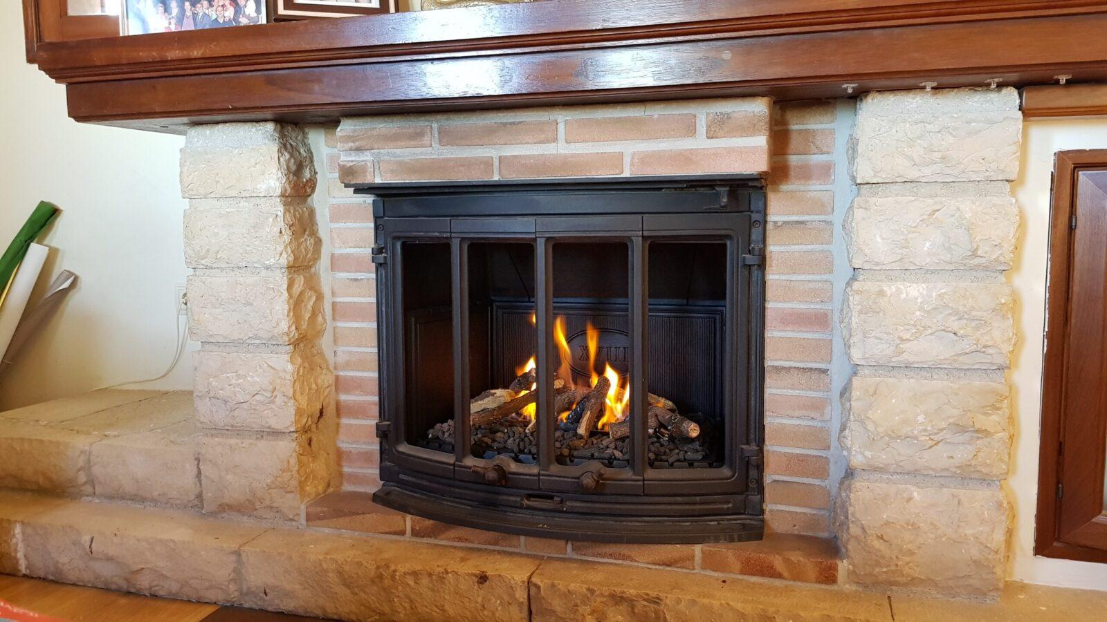 Transformación de chimenea de leña a gas scaled